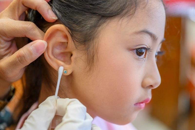 روش درمان عفونت غضروف گوش