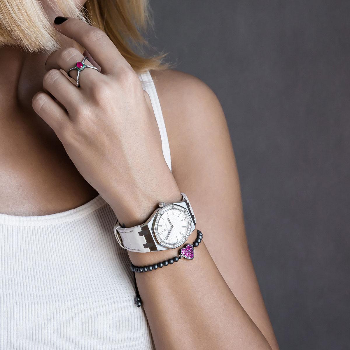 دستبند طلا Black Heart 2