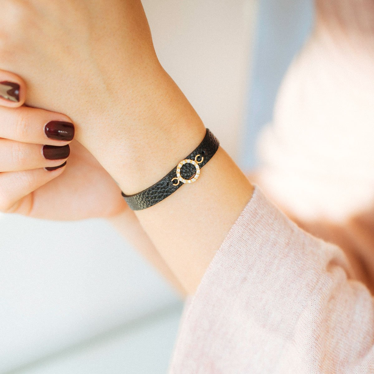 دستبند طلا دایره کوچک ۲