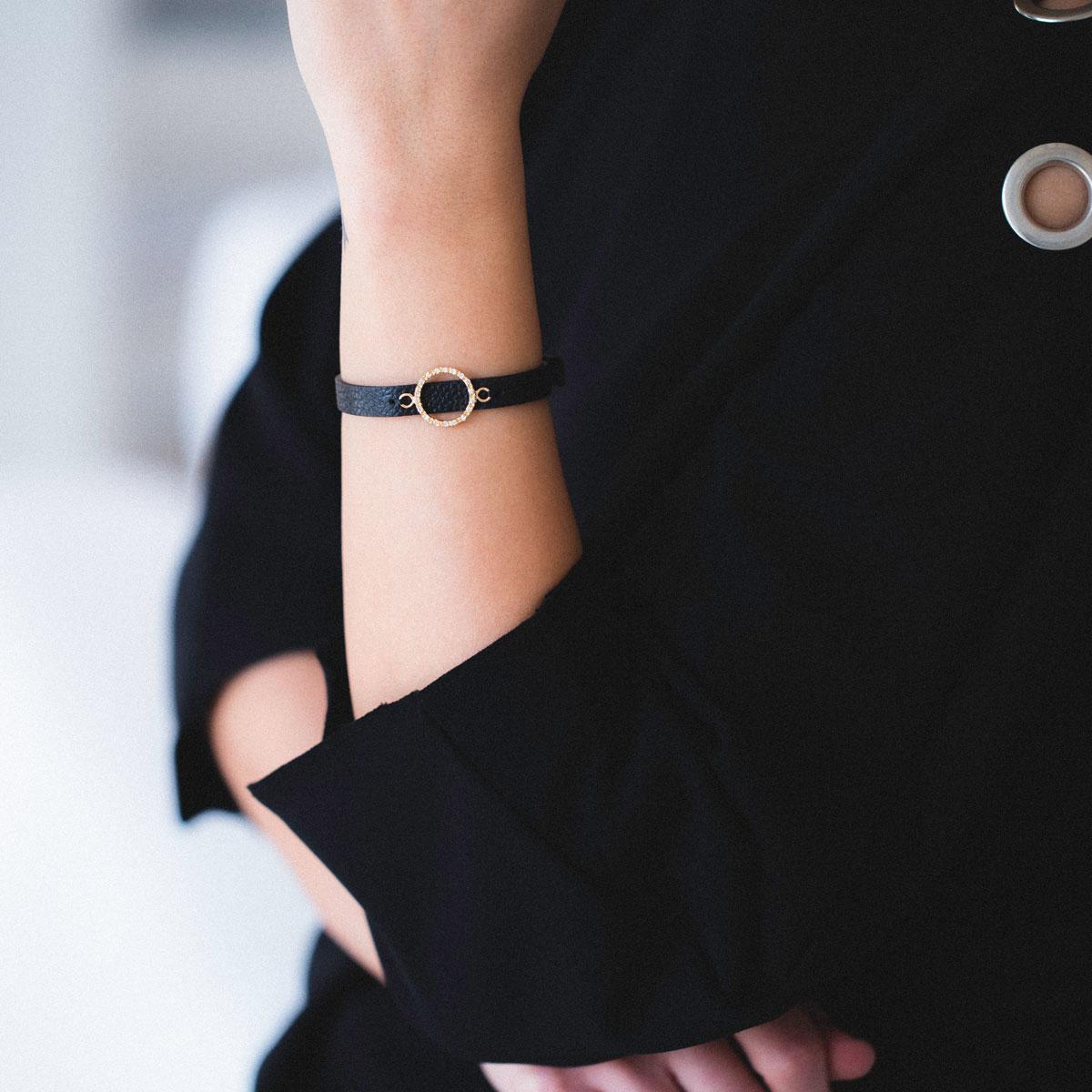 دستبند طلا دایره بزرگ ۲