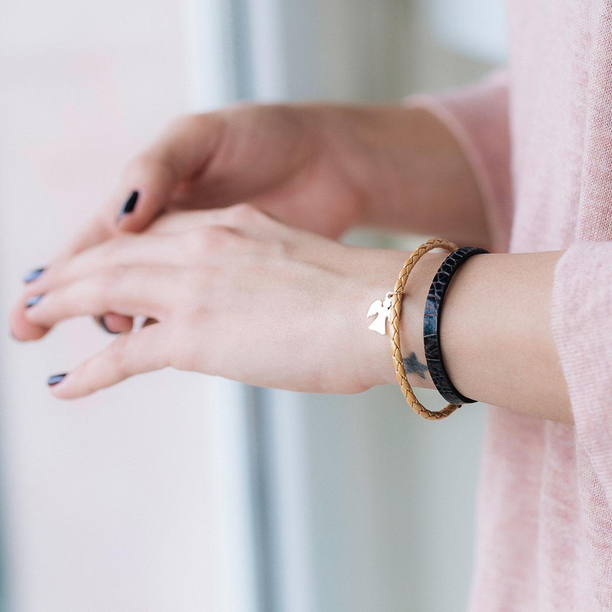 دستبند طلا چرمی فرشته کوچک