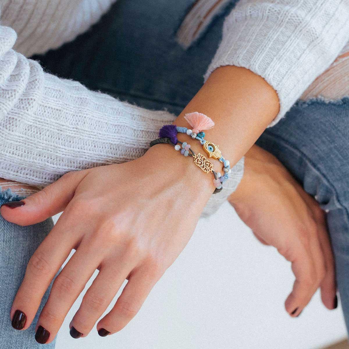 دستبند طلا بافت اسلیمی و منگوله