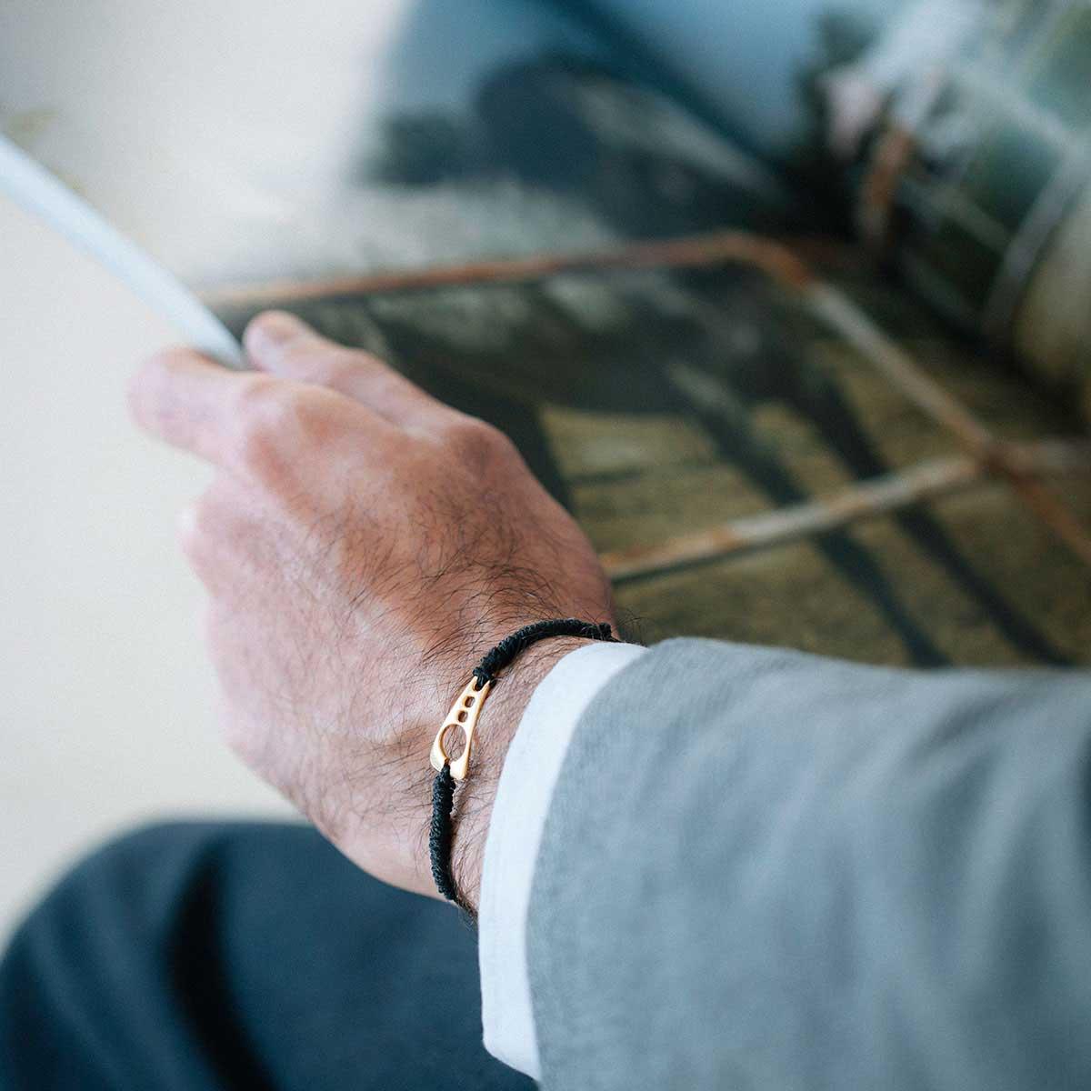 دستبند طلا نیمِن