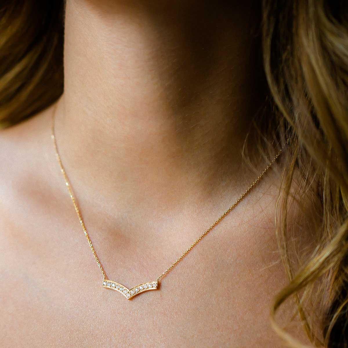 پرسته گردنبند طلا آدینا 2