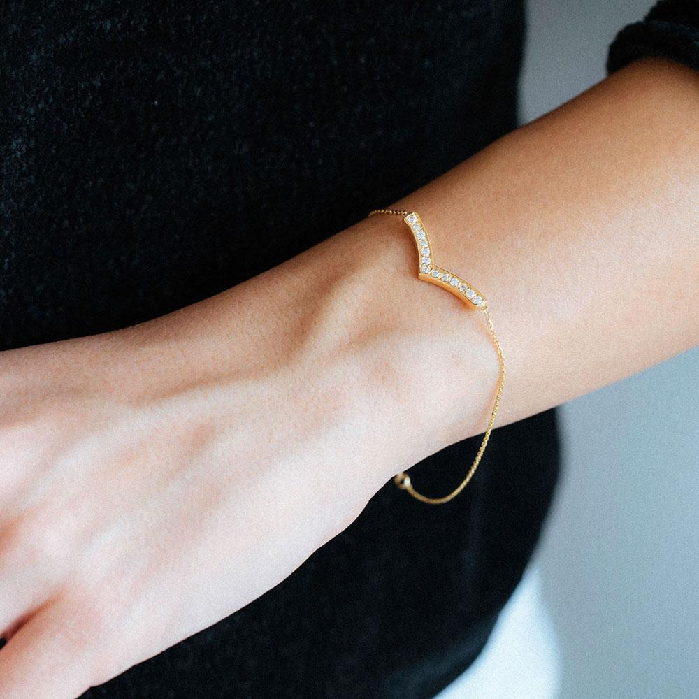 دستبند طلا آدینا