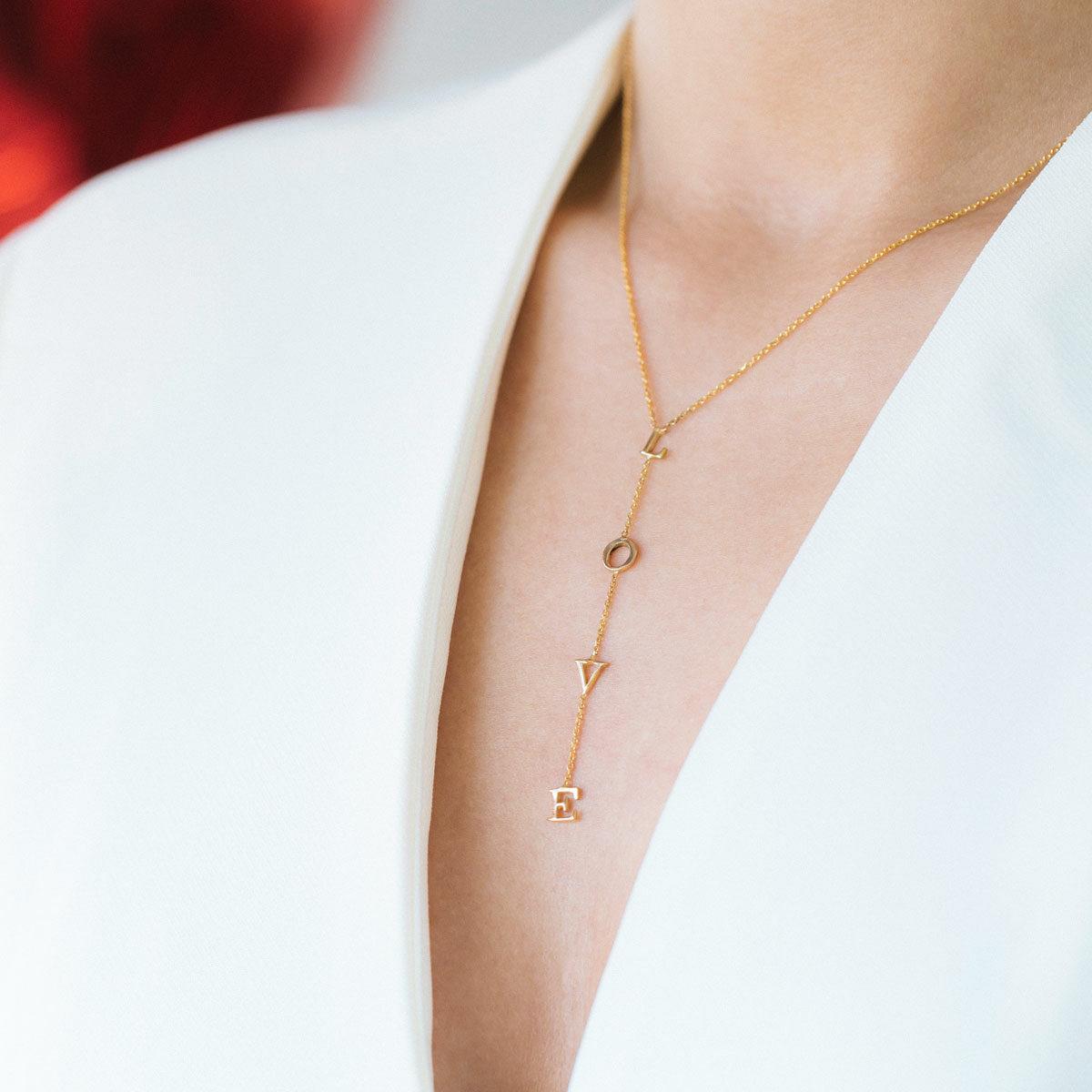 پرسته گردنبند طلا L-O-V-E ۲