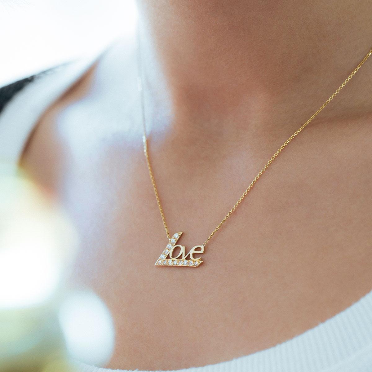 پرسته گردنبند طلا Love ۲