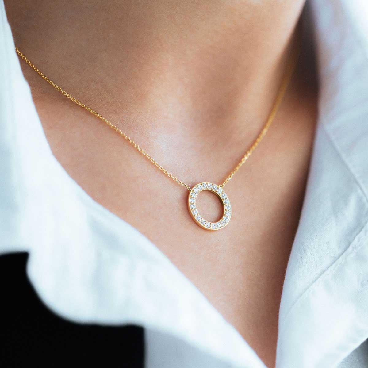 پرسته گردنبند طلا دایره کوچک دور نگین