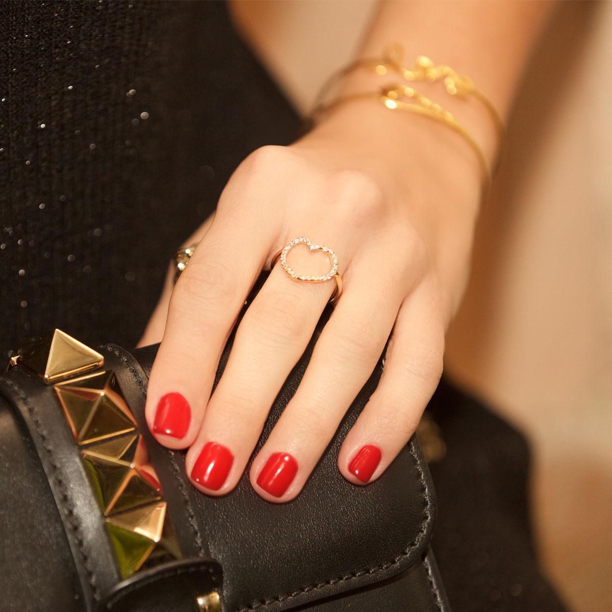 انگشتر طلا قلب نگین دار