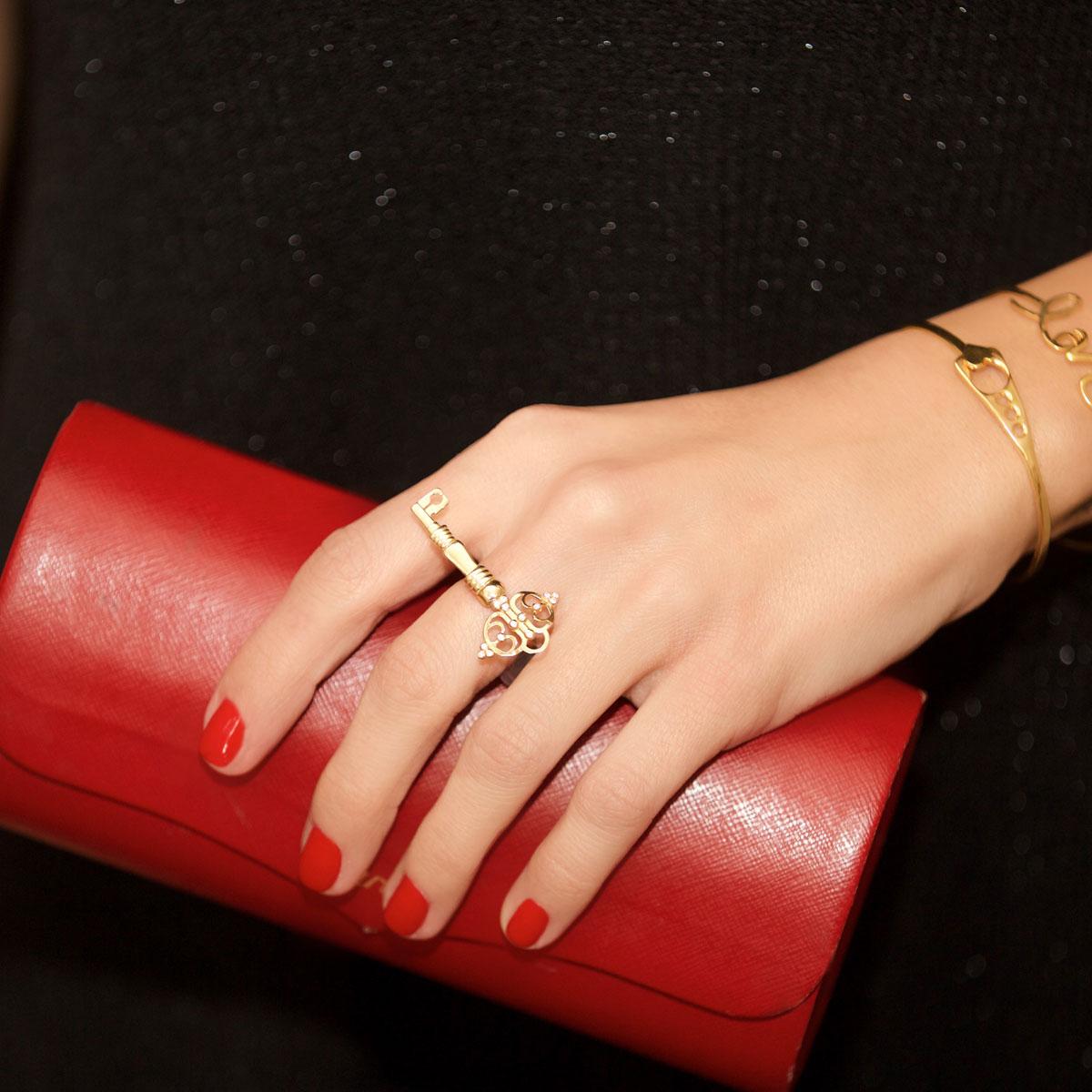 انگشتر طلا کلید 2