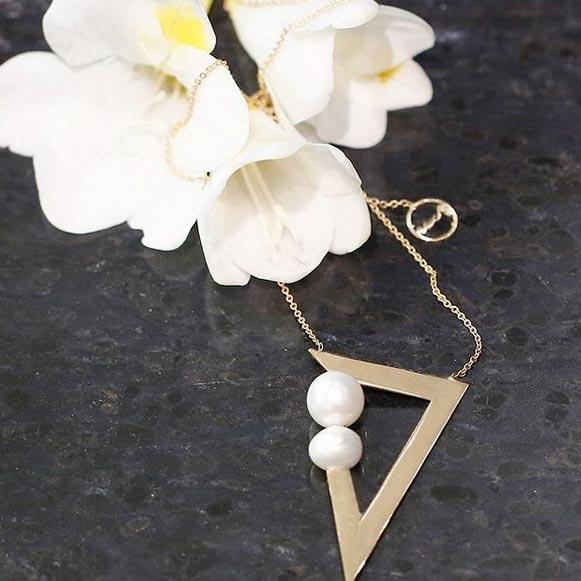 گردنبند طلا مثلث و مروارید