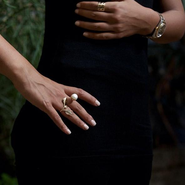 انگشتر طلا برگ و مروارید نگین دار