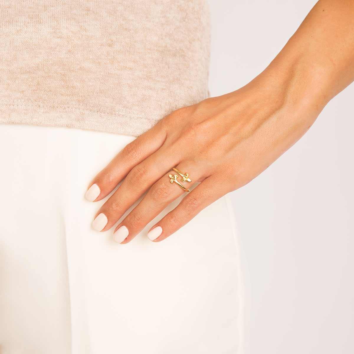 انگشتر طلا خنجر کوچک