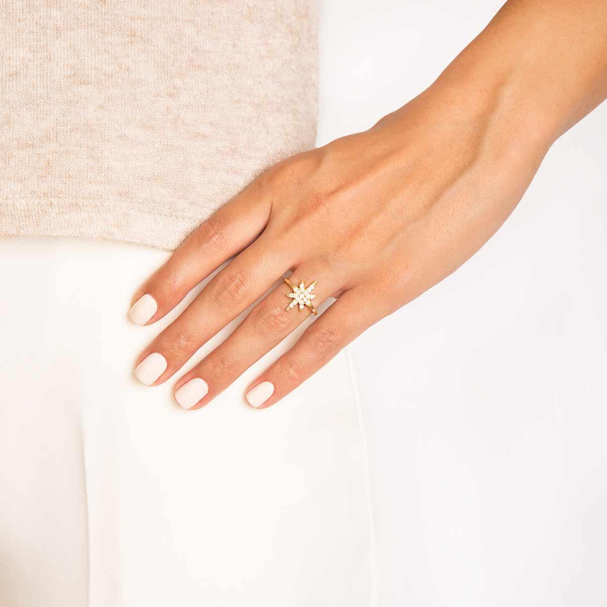 انگشتر طلا ستاره نگین دار پرسته