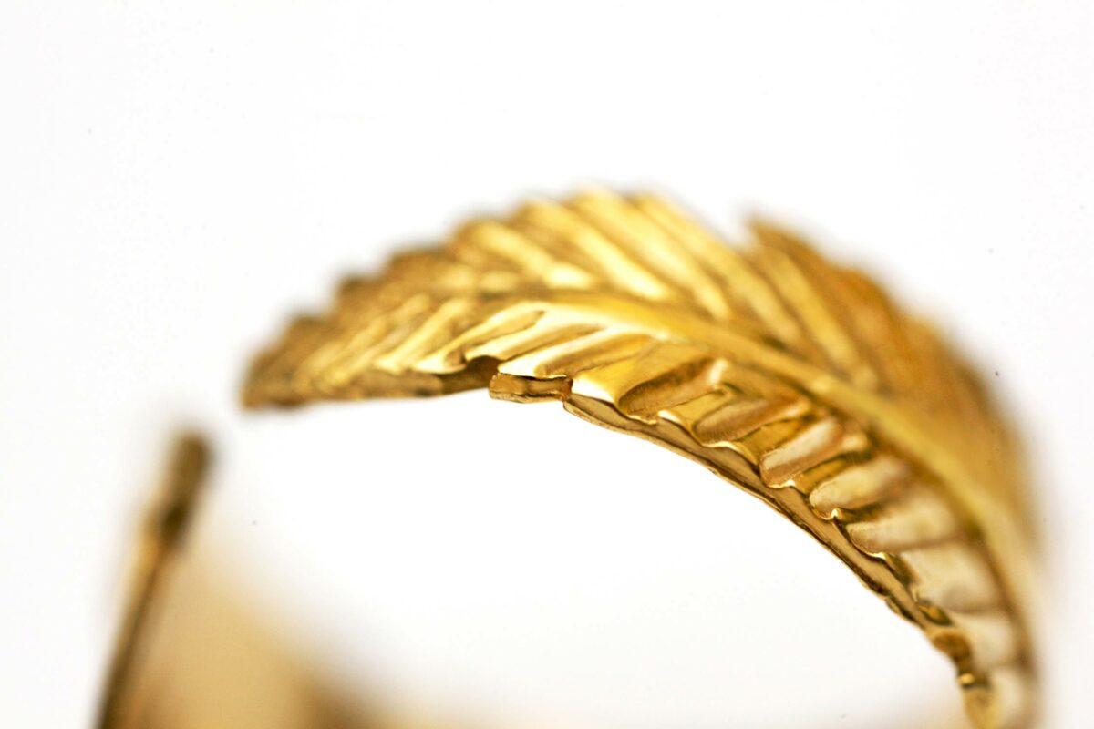 طلا ۱۸ عیار