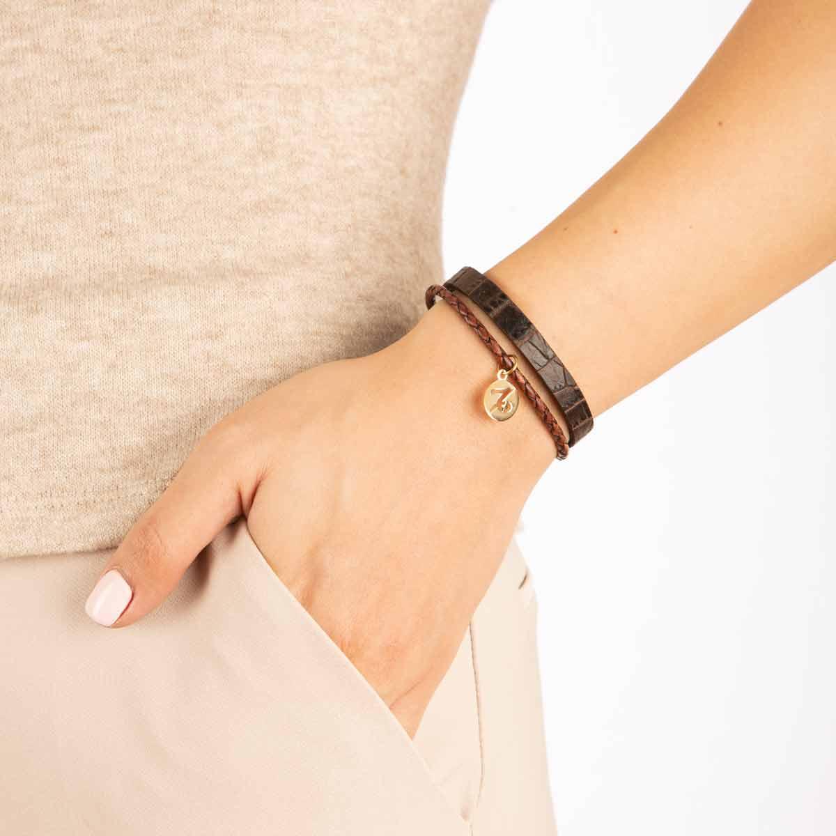 دستبند طلا نماد ماه دی پرسته