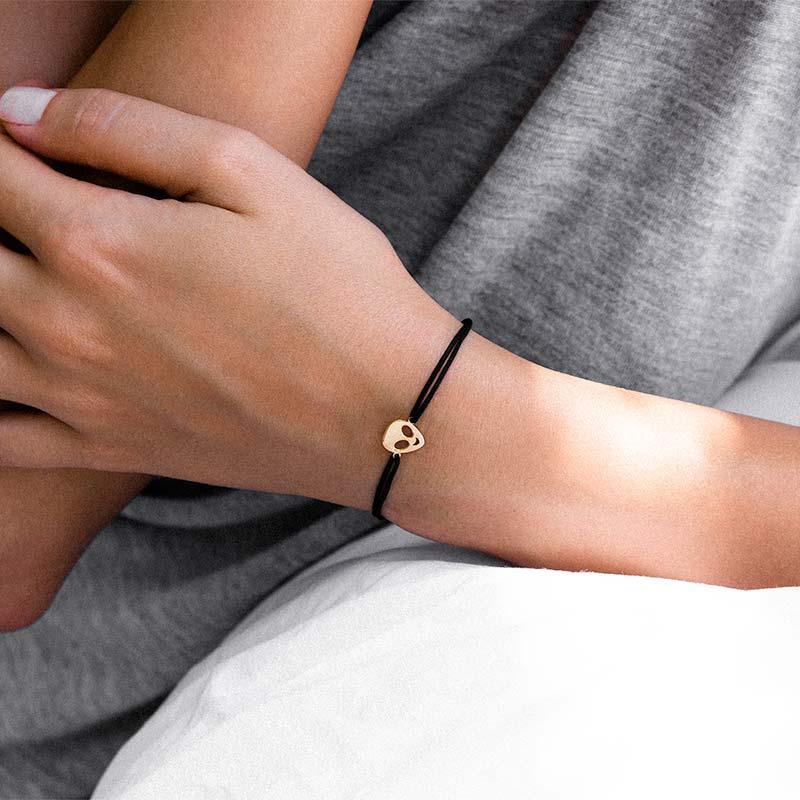 دستبند طلا بافت آدم فضایی پرسته