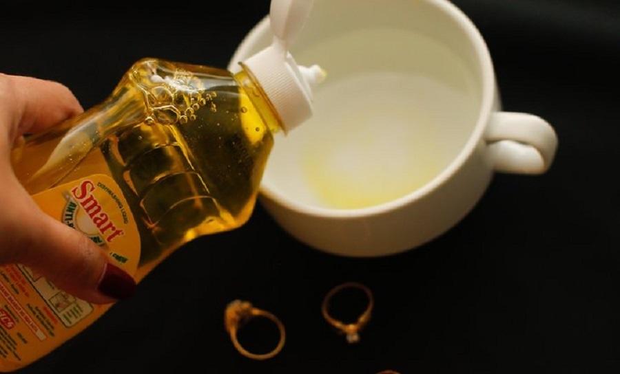 چگونه زیور آلات طلا را در خانه تمیز کنیم؟