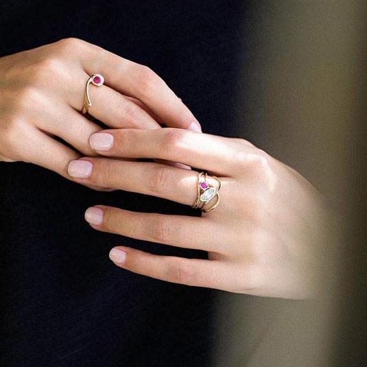 انگشتر طلا تک نگین قرمز