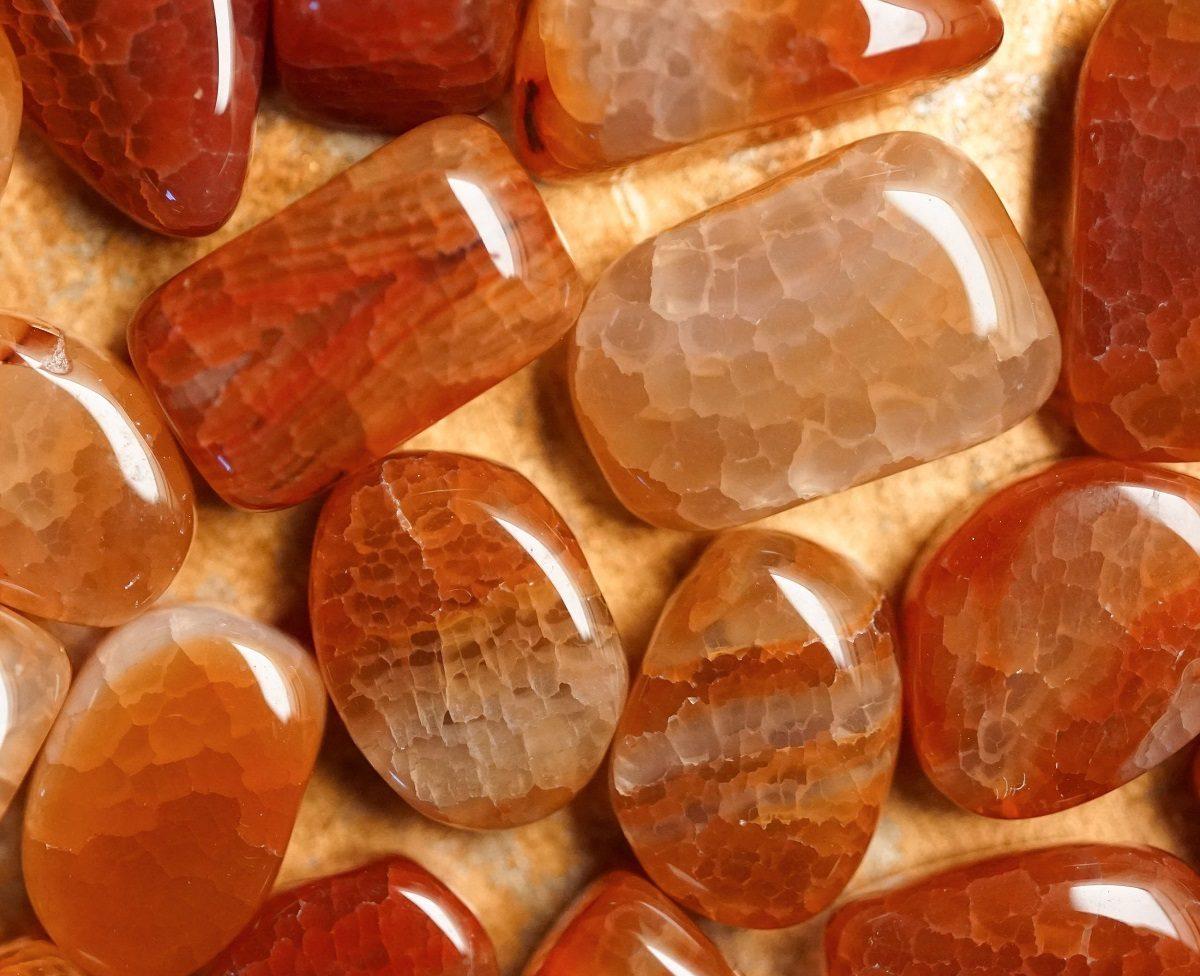با خواص و ویژگیهای سنگهای قیمتی بیشتر آشنا شوید