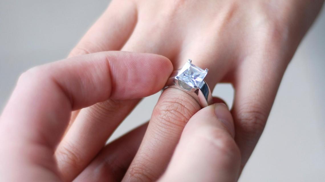 چگونه اندازه دقیق انگشتر را تشخیص دهیم