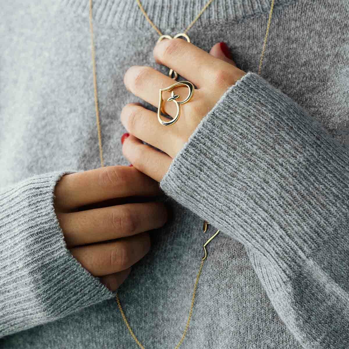 انگشتر طلا قلب و برگ پرسته