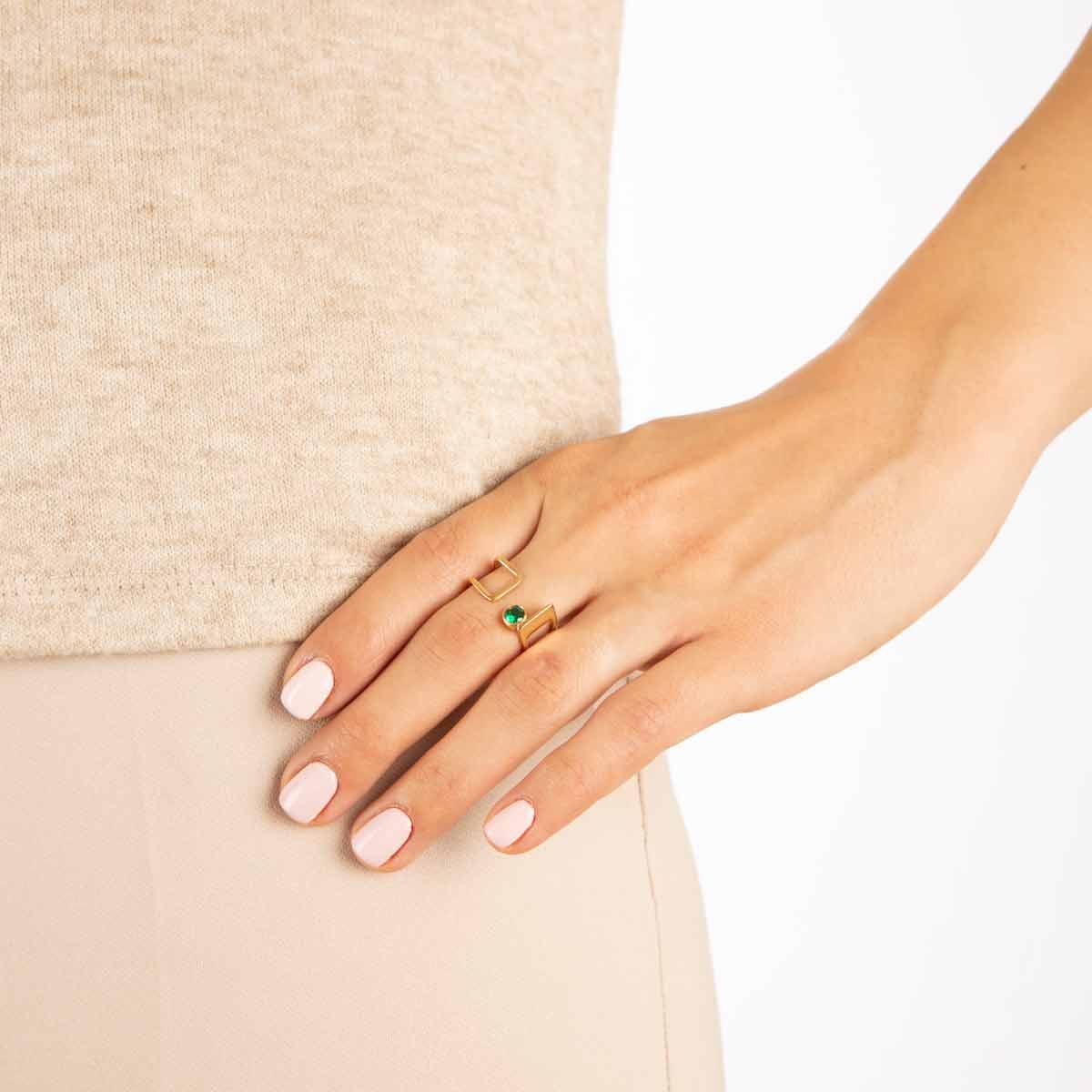 انگشتر طلا دایره سبز