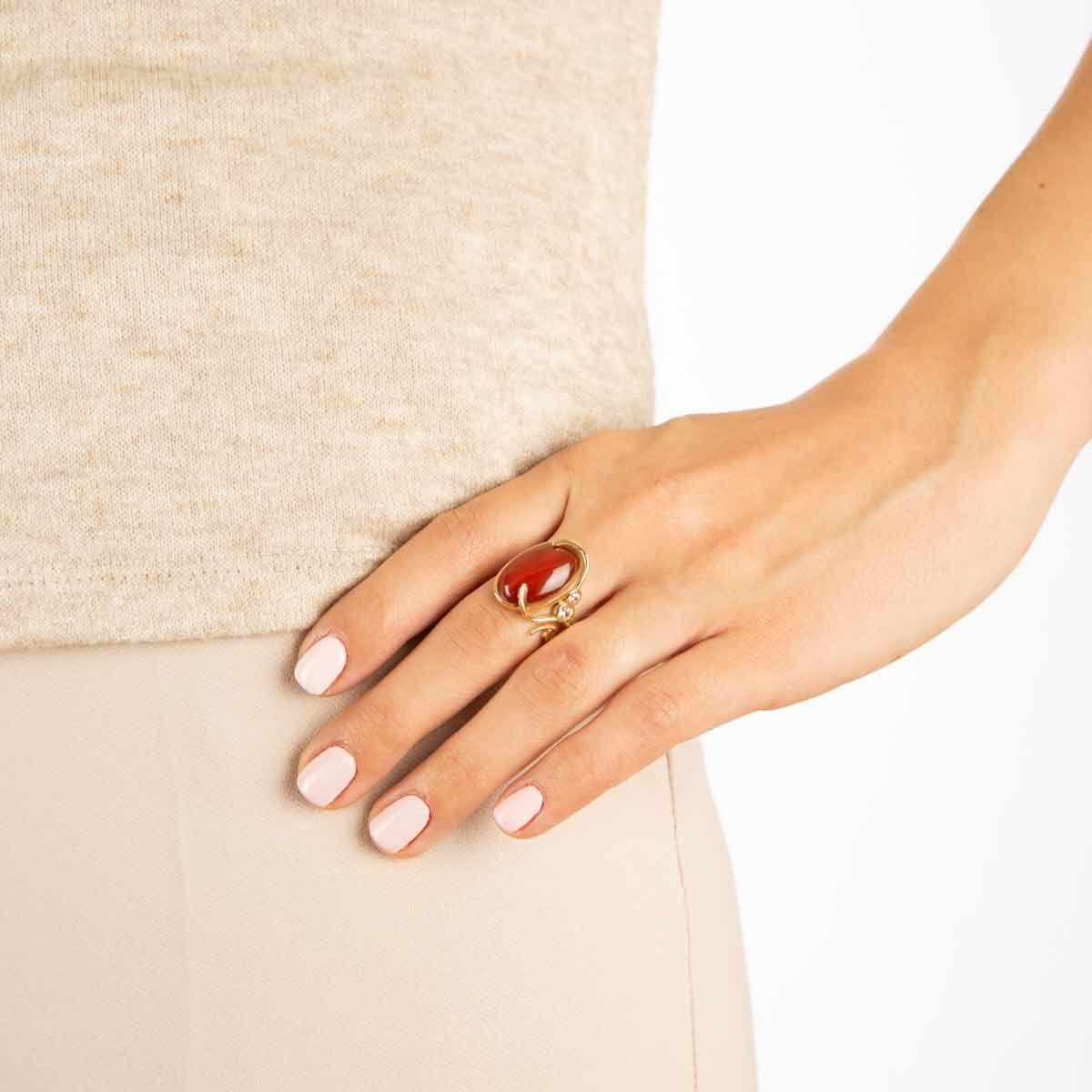 انگشتر طلا عقیق بیضی و نگین پرسته