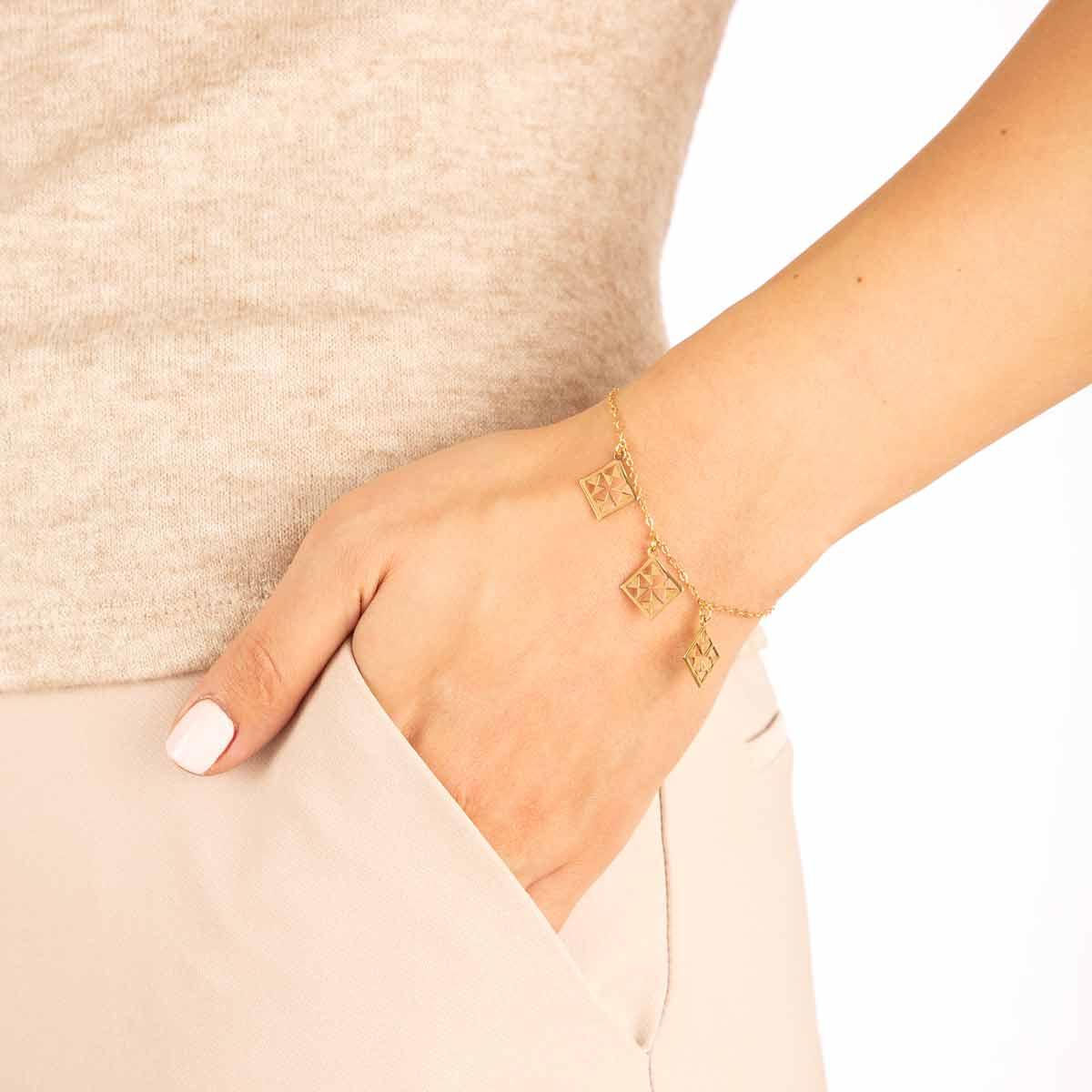 دستبند طلا نورا پرسته