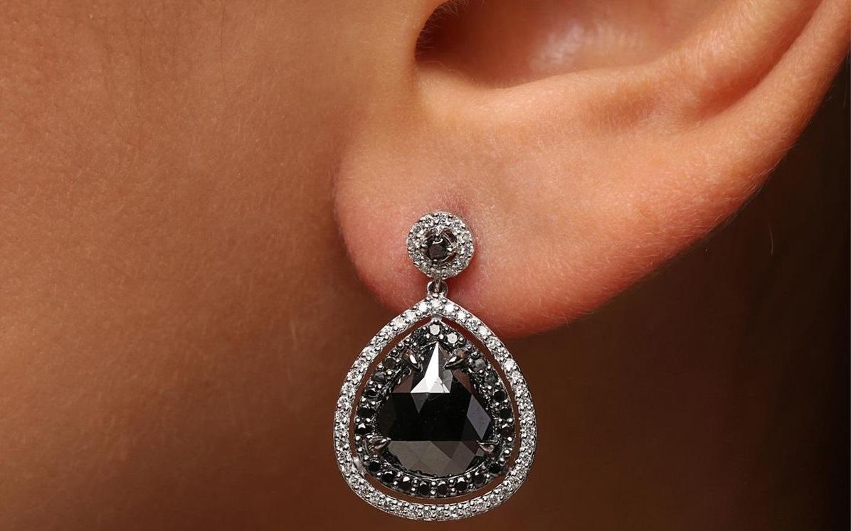 الماس سیاه تقویتشده چیست؟