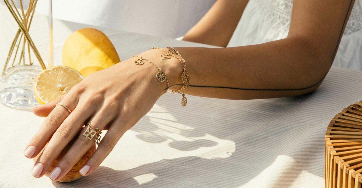 راهنمای خرید انگشتر با توجه به شکل و اندازه انگشتان دست