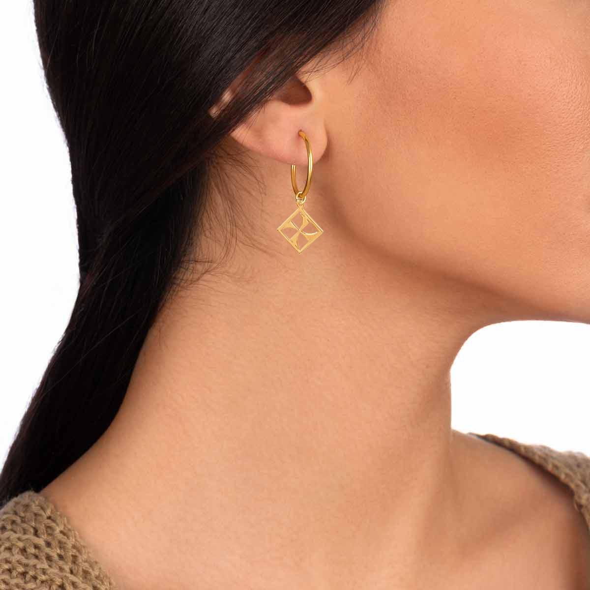 گوشواره طلا حلقه ای مهر