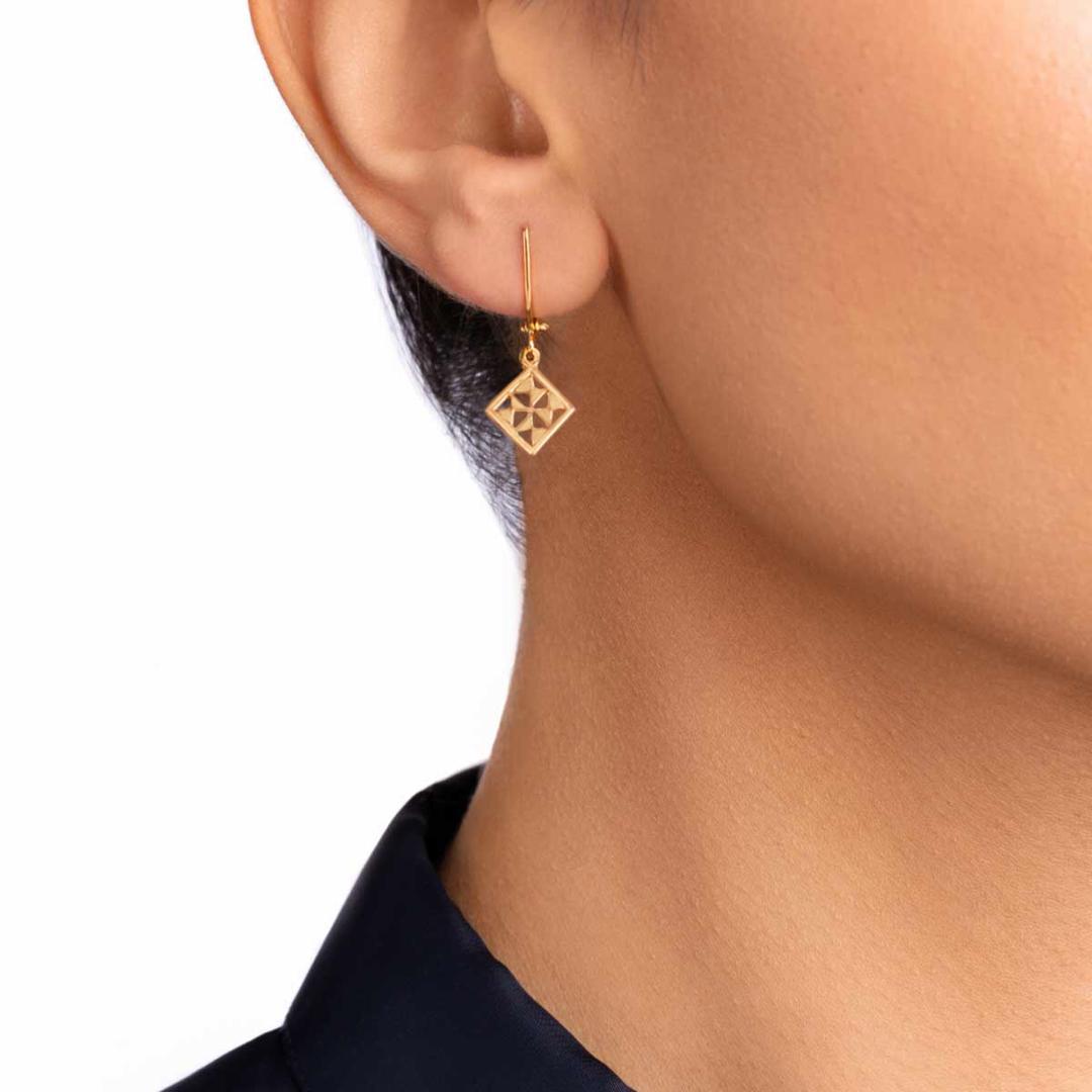گوشواره طلا تک لنگه ای نورا