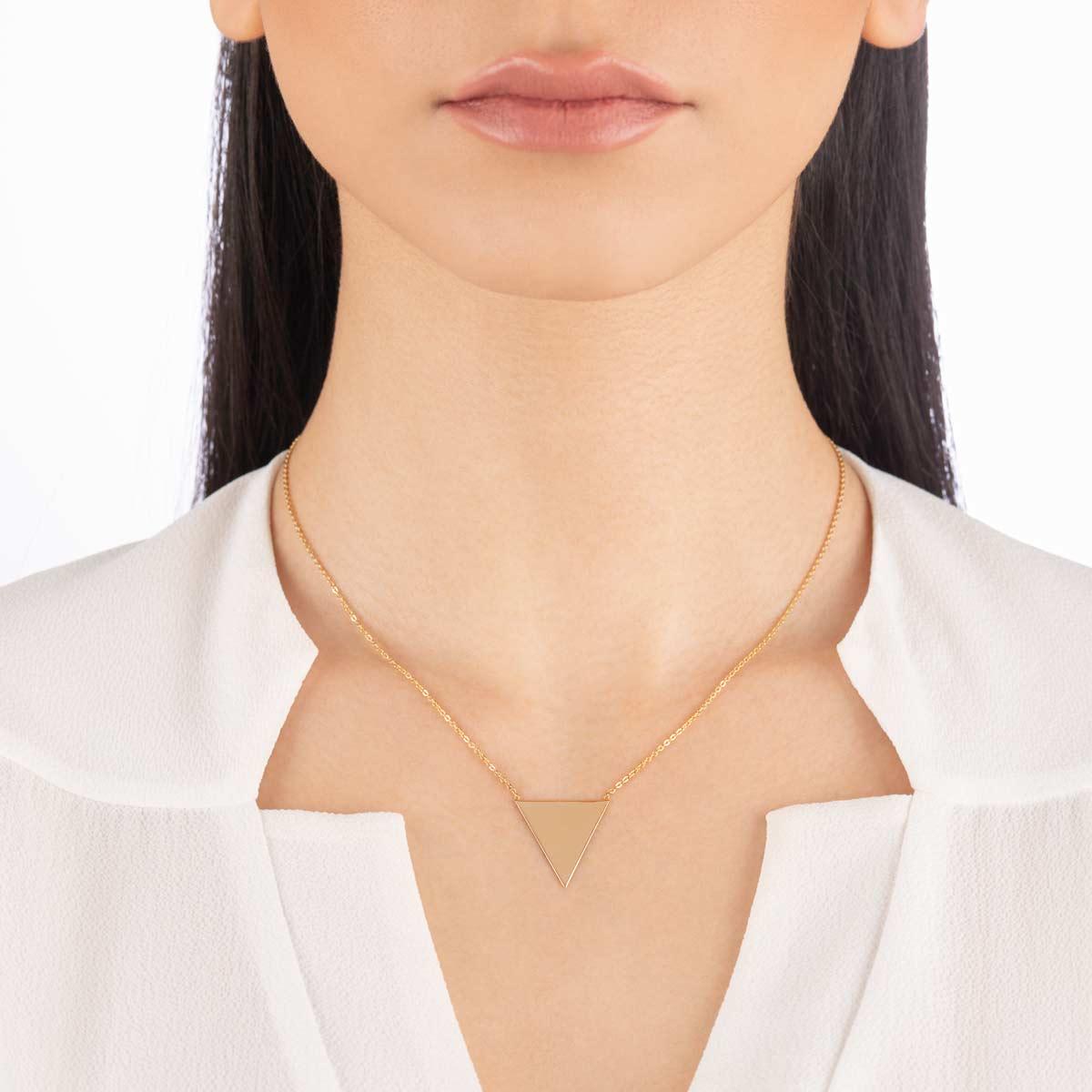 گردنبند طلا حکاکی مثلث بزرگ