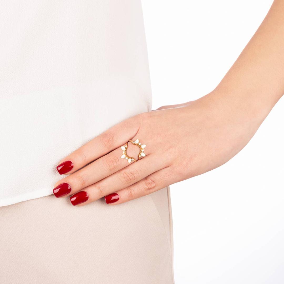 انگشتر طلا مینِلاوا و صدف