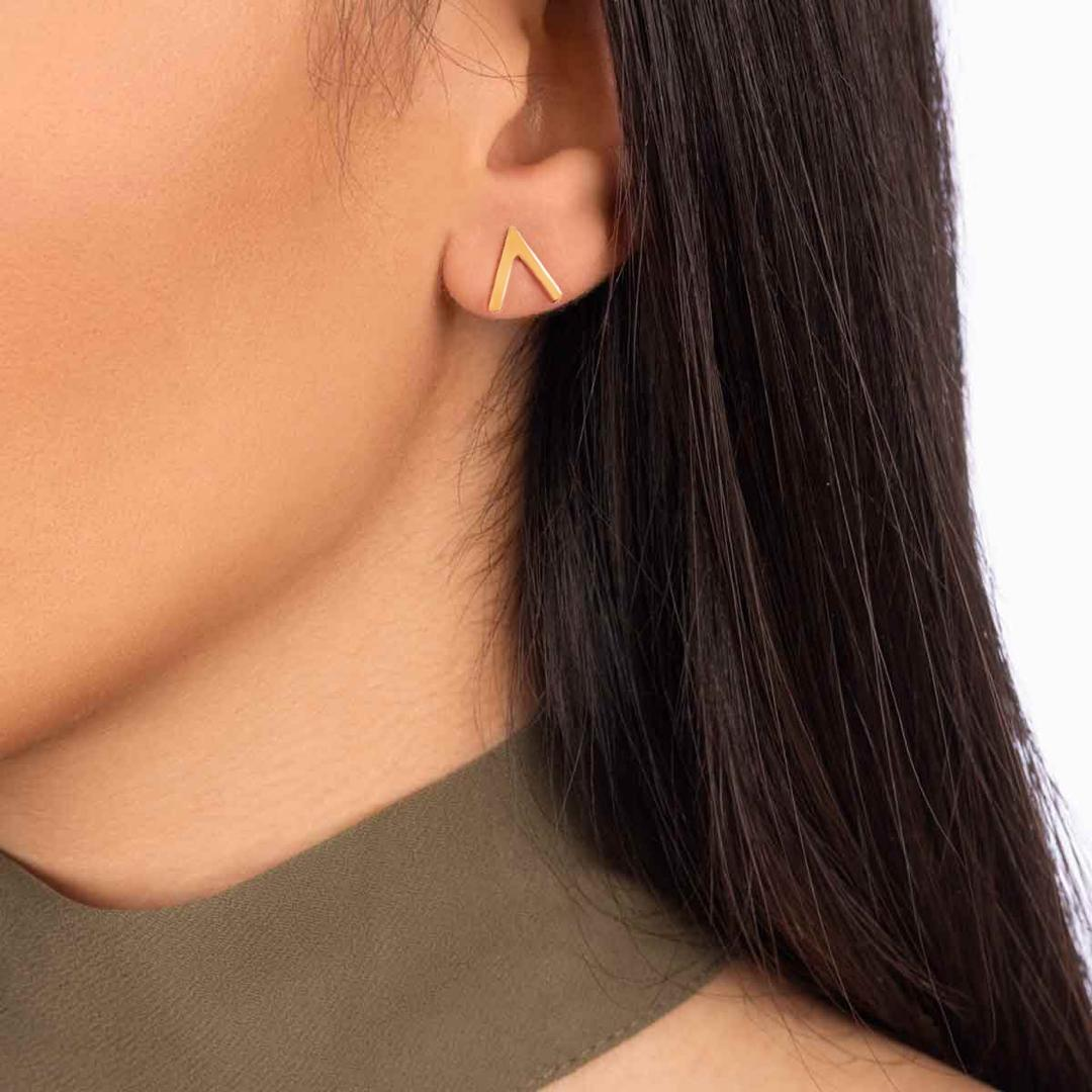 گوشواره طلا تک لنگه ای V (وی)