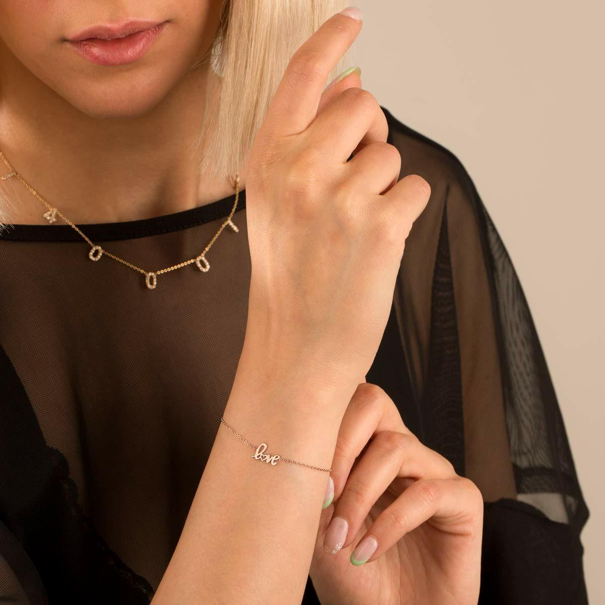 دستبند طلا Love