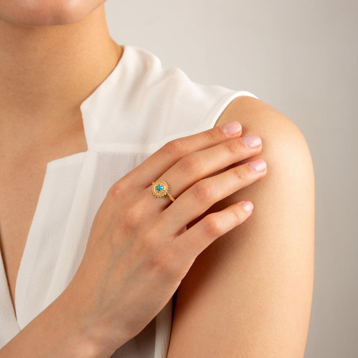 انگشتر طلا دایره طرحدار و فیروزه