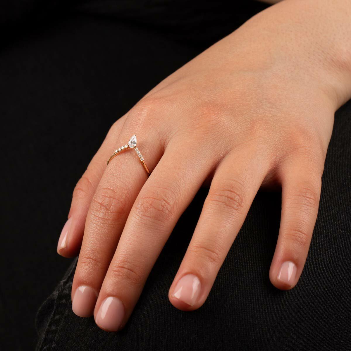 انگشتر طلا دلوس