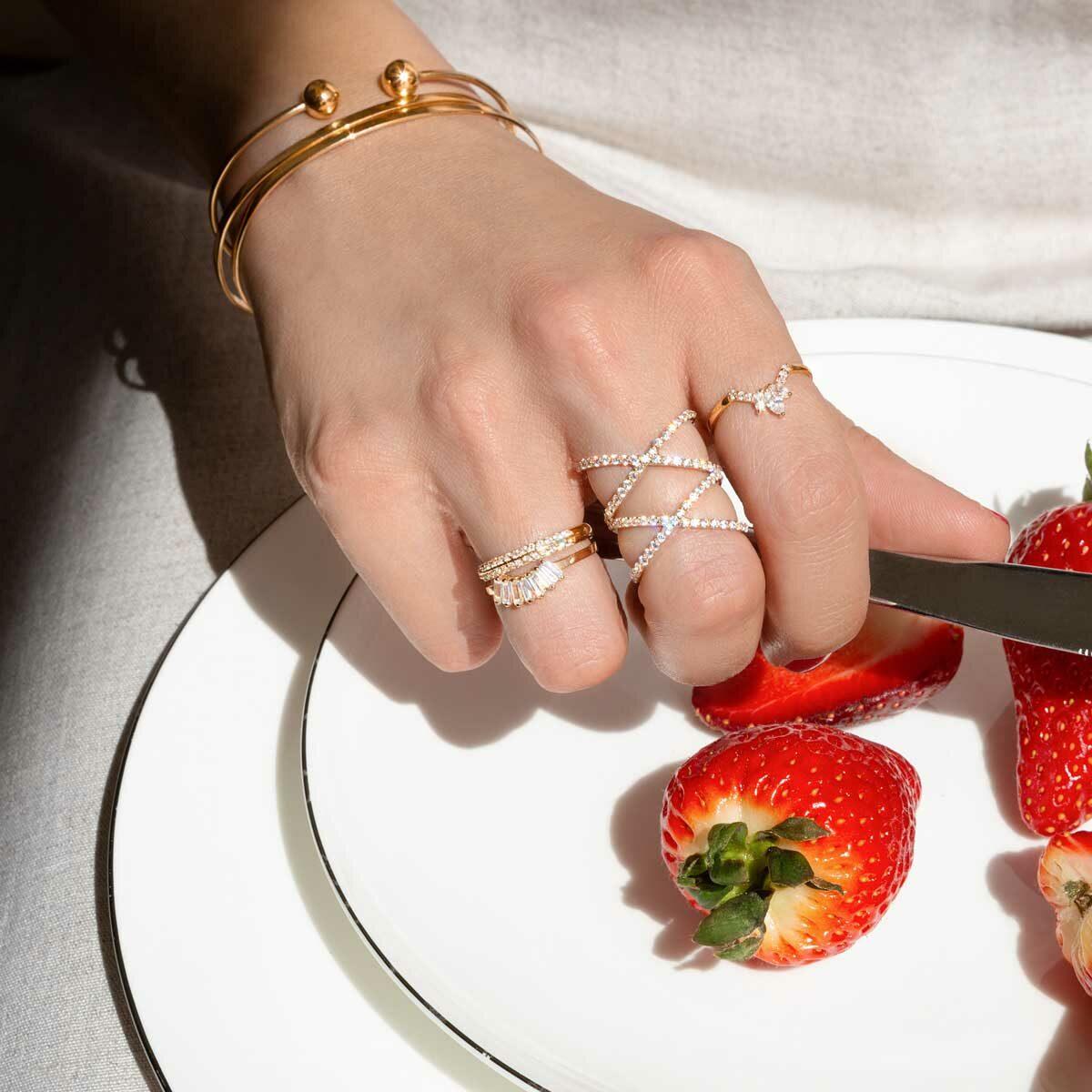 انگشتر طلا آرمیلا
