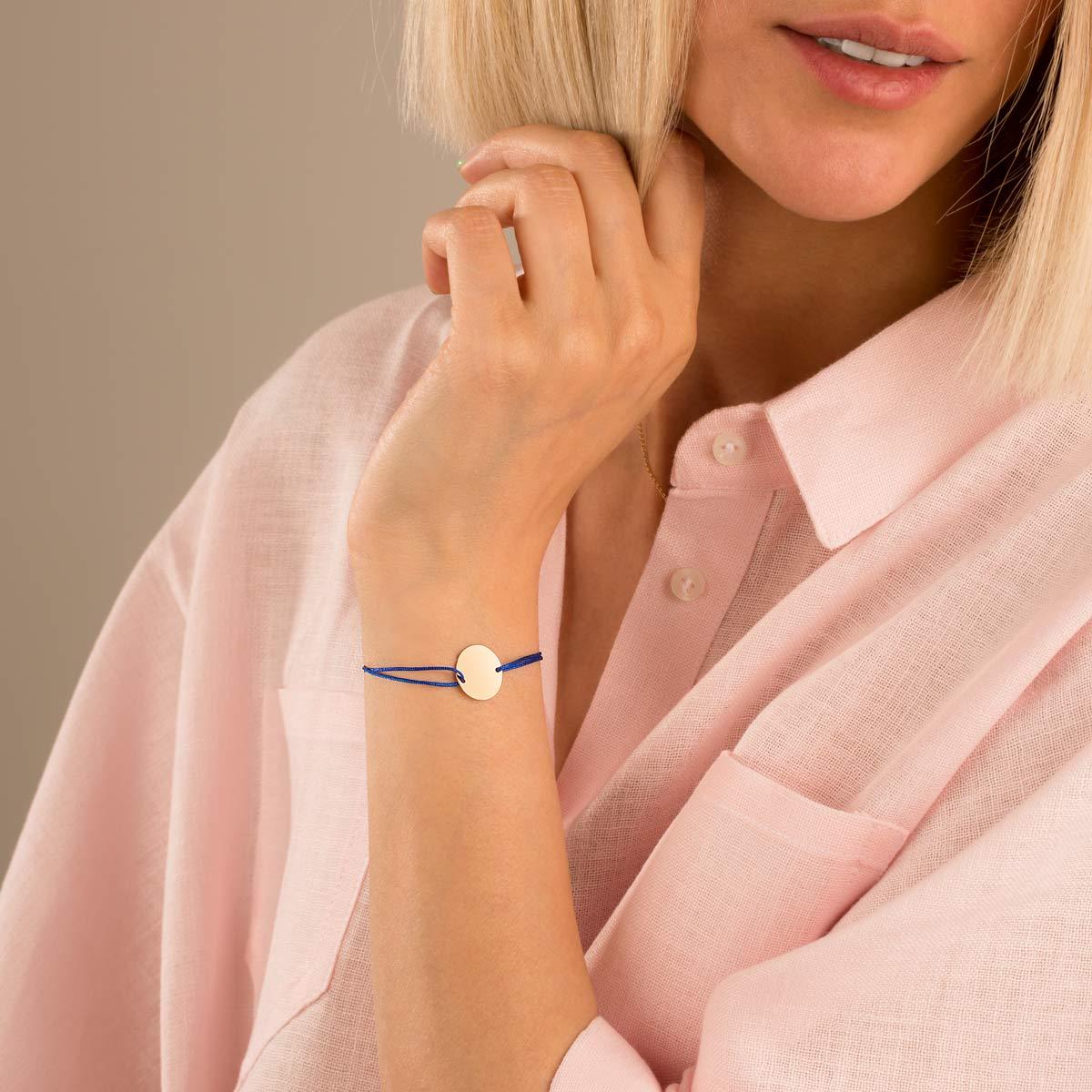دستبند طلا بافت آبی دایره حکاکی متوسط