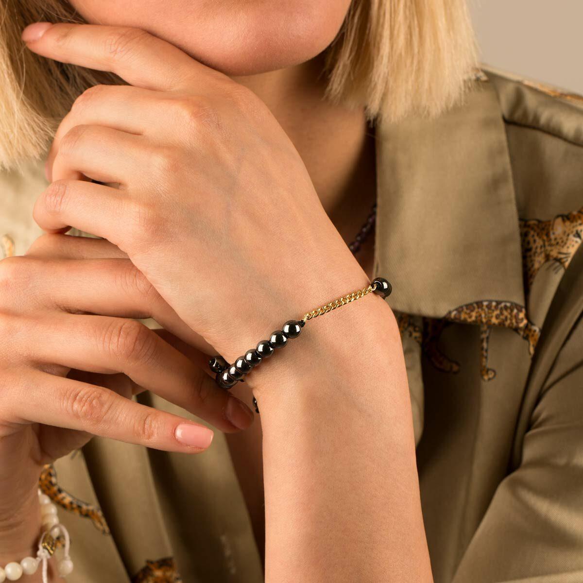 دستبند طلا سنگی چهارده حلقه کارتیه و حدید تیره