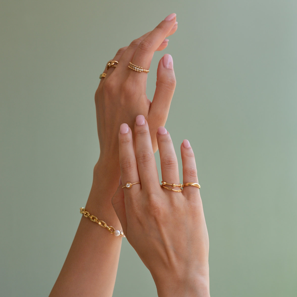 انگشتر طلا آلورا