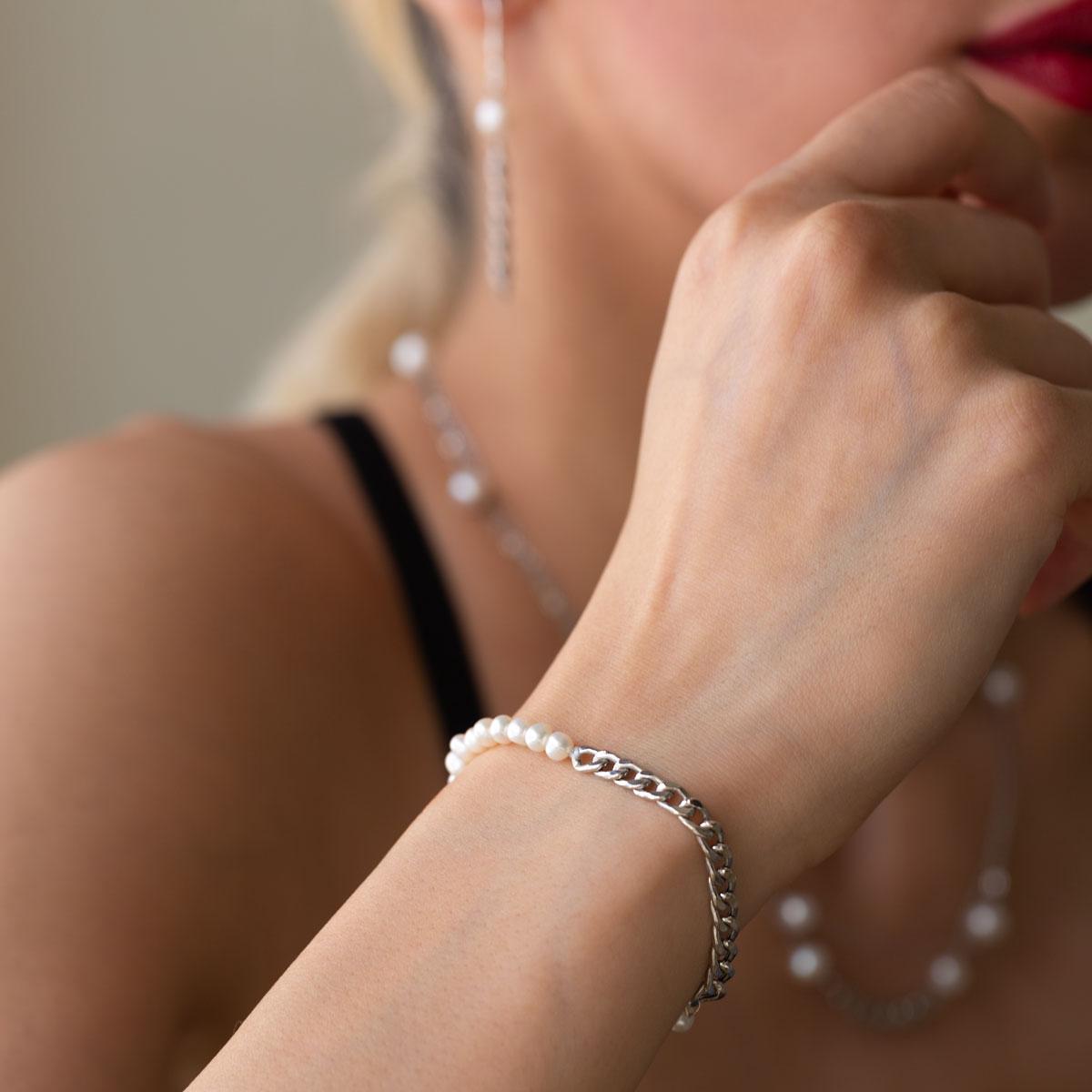 دستبند طلا کارتیه و مروارید