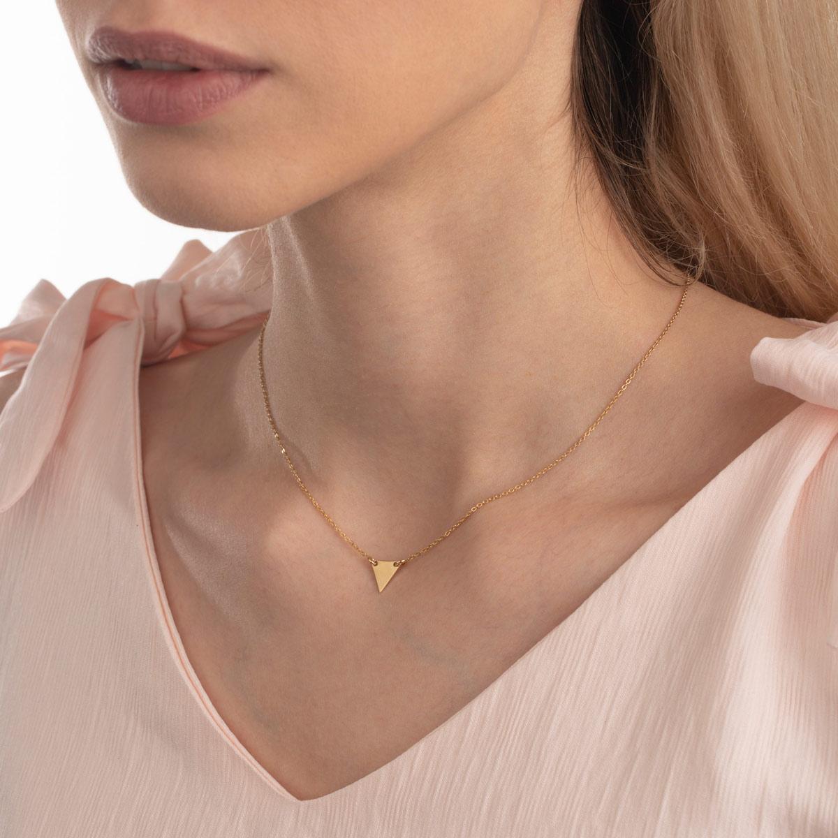 گردنبند طلا مثلث با حلقهچه