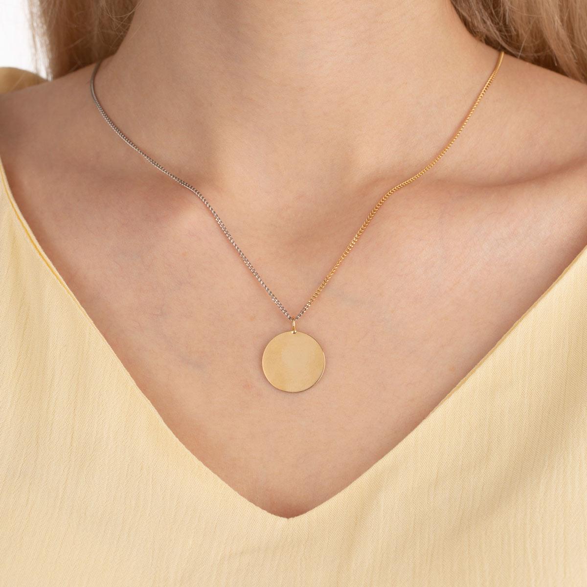 گردنبند طلا دایره حکاکی متوسط و کارتیه